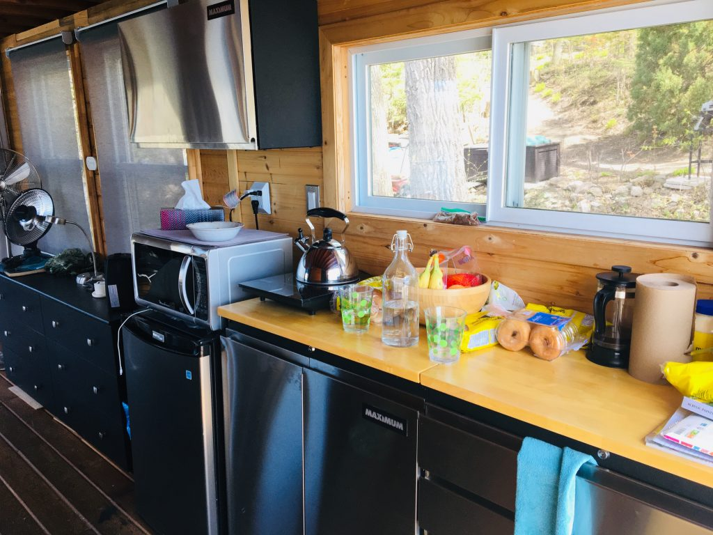 airbnb houseboat kitchenette